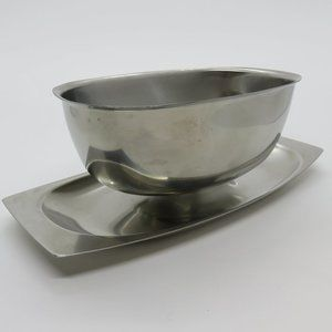 Cultura Gravy Boat and attached Plate Stainless
